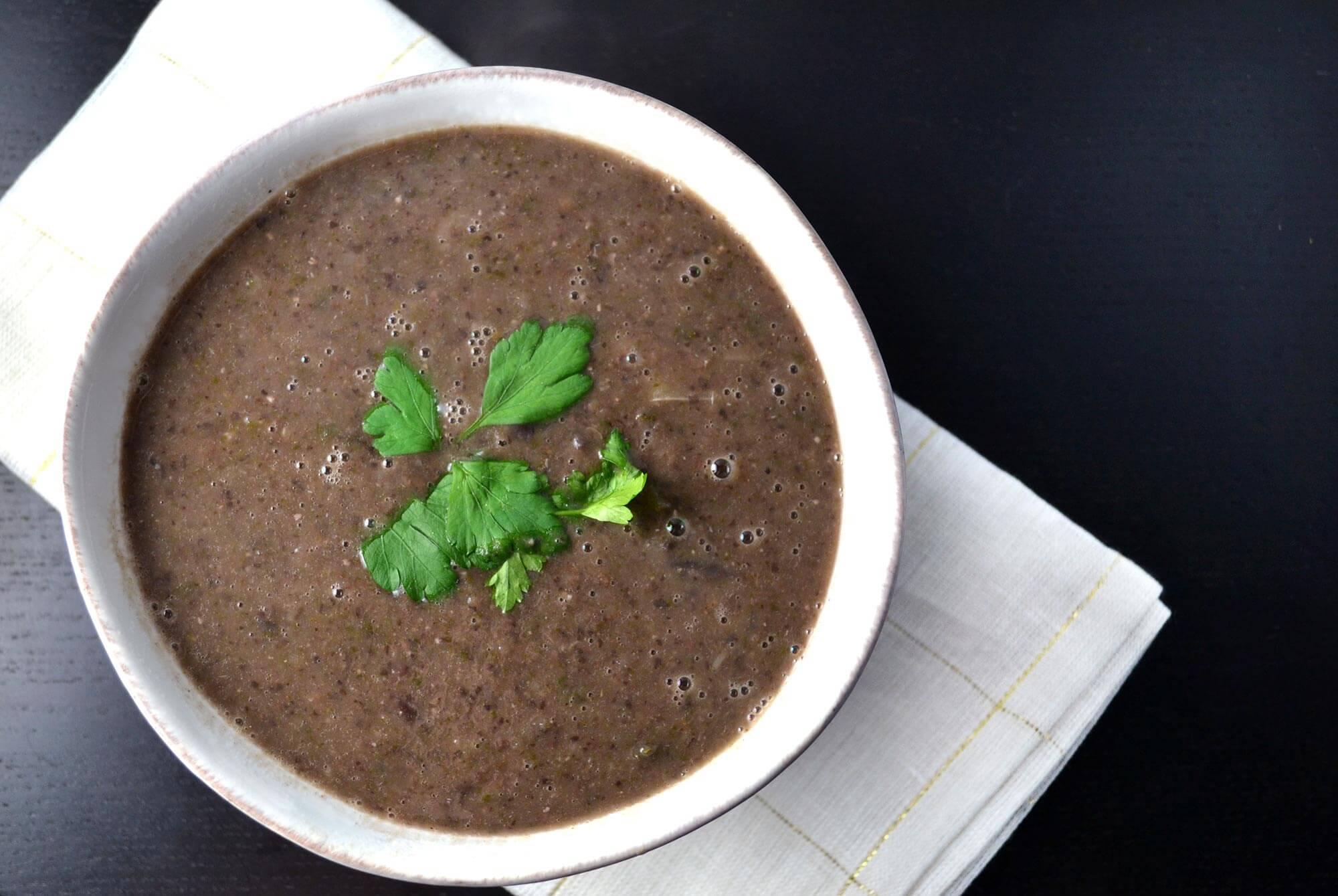 siyah fasulye çorbası