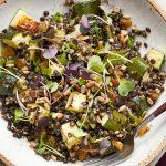 filizlendirilmiş beluga mercimeği salatası